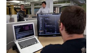 Programador só escreve códigos?